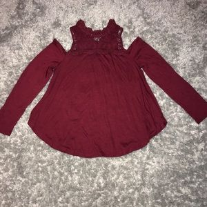 ‼️3 for $10- Maroon long sleeve with lace